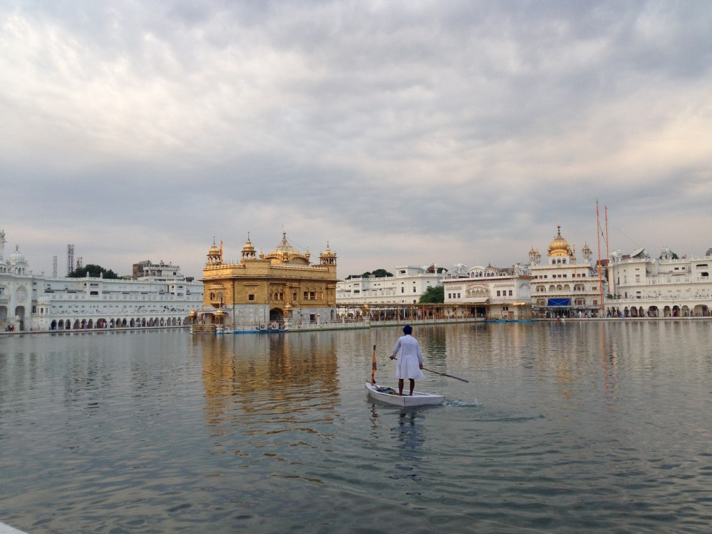 Supping around the golden temple